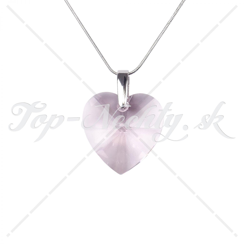 Náhrdelník s masívnym kryštálom v tvare srdca e8b7ab024b8